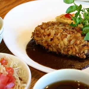 レストラン&バー day[Zi:](デイジー)